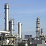 Impianto di frazionamento all\'interno di un petrolchimico